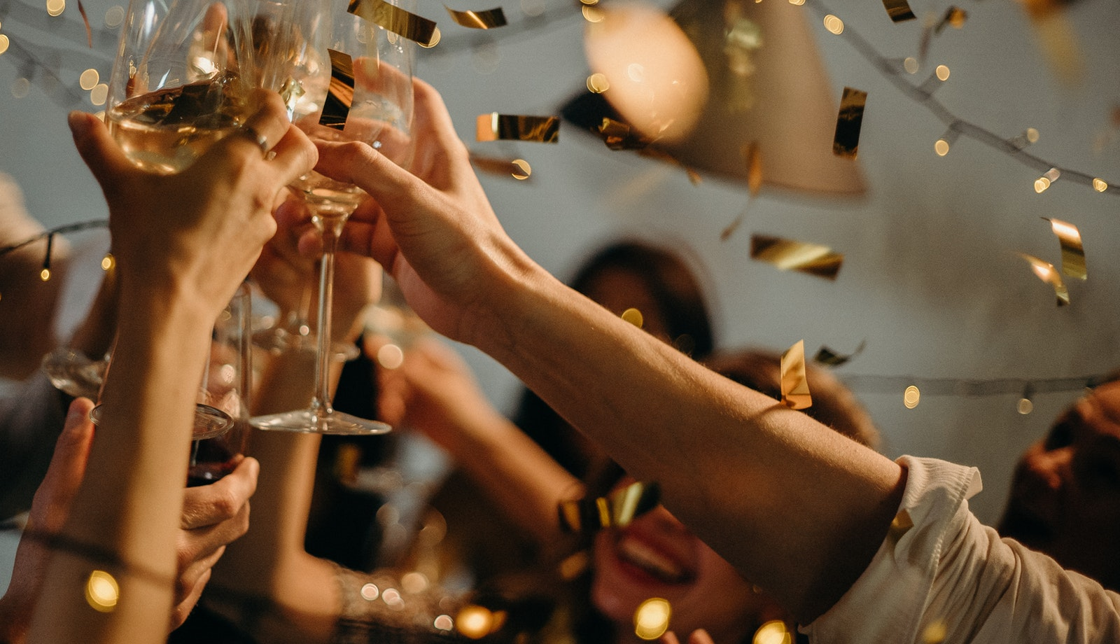 how to host a stress free cocktail party