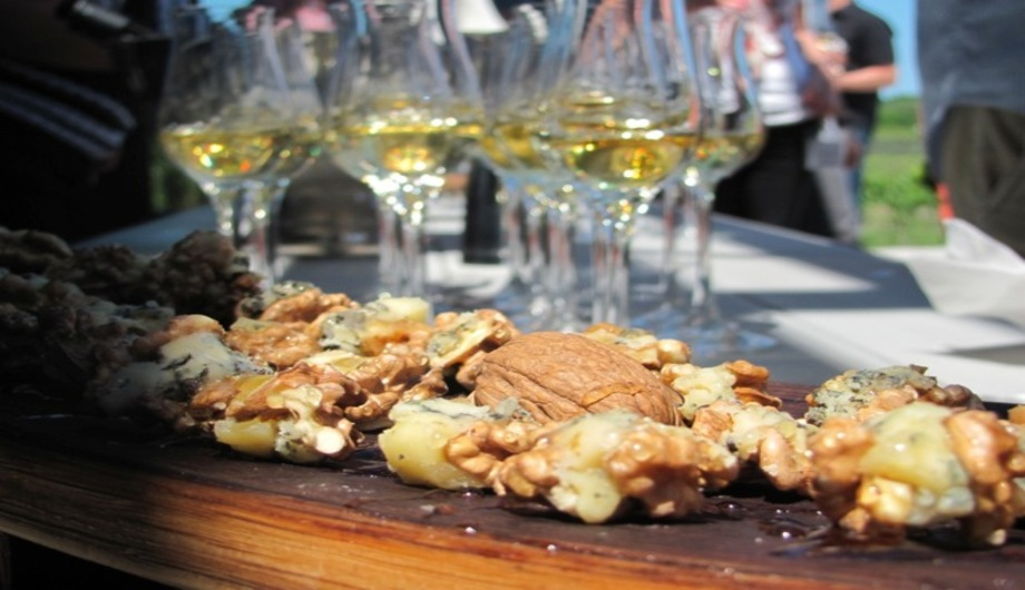 icewine and blue cheese